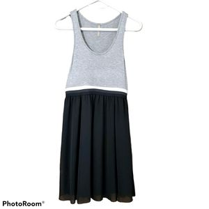 Thyme sleeveless black grey maternity dress size s